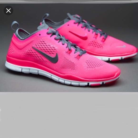 the latest c308b 3c51f NIKE Free 5.0 Tri Fit Sneakers